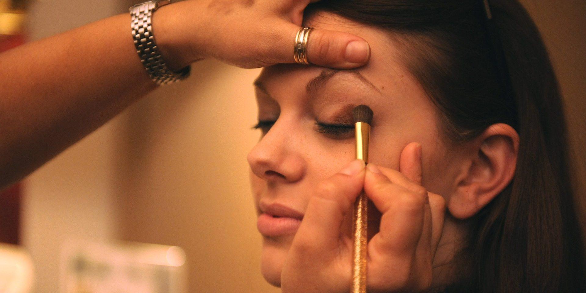 Cum Să Faci Ochii Mici Să Pară Mai Mari Cu Ajutorul Machiajului Zaina