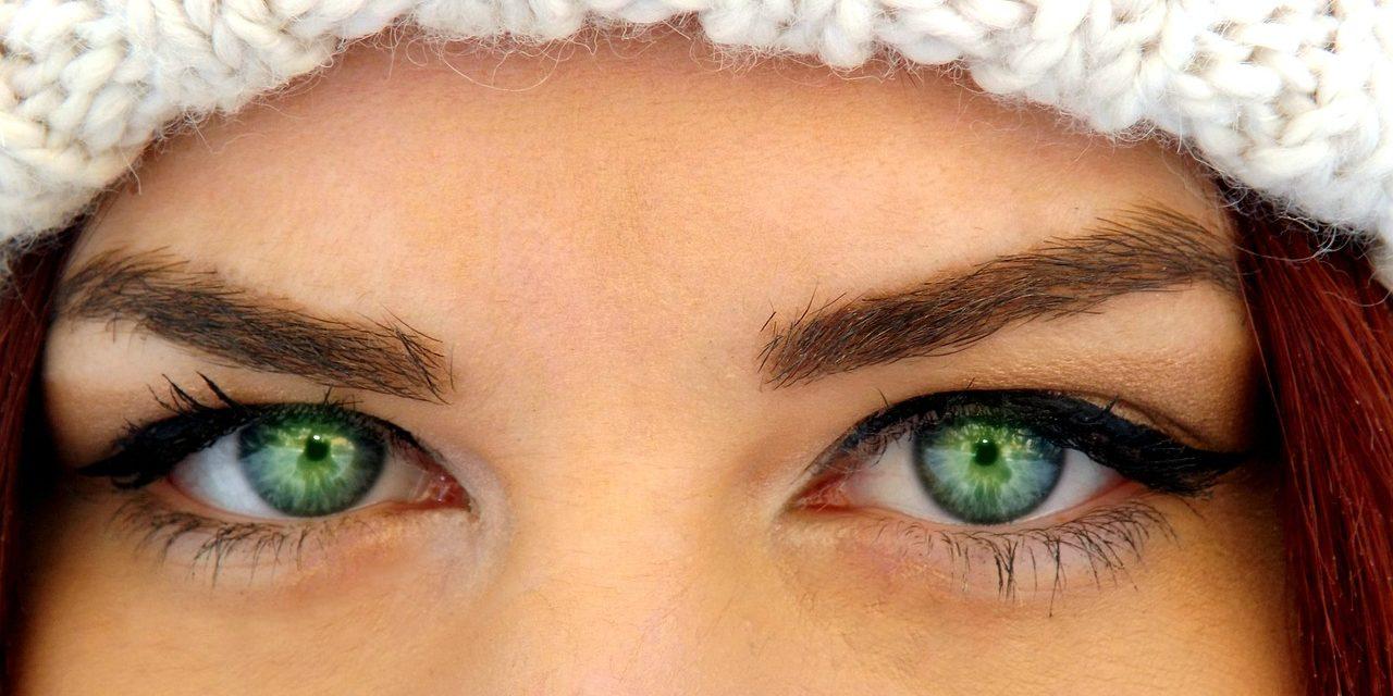 Ochi albastri ochi caprui
